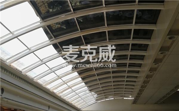 圆拱型电动采光排烟天窗